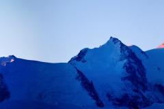 massif du mont blanc au petit matin vue depuis la montée a Criou